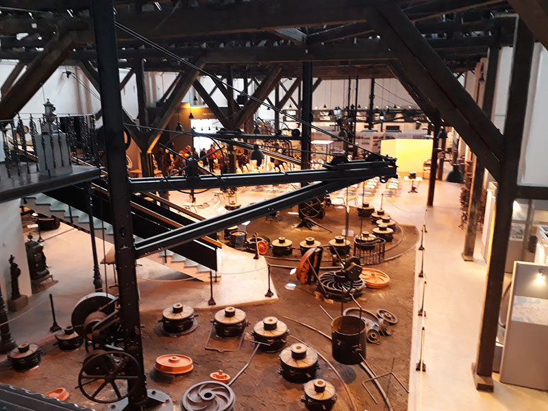 A gyár eredeti gépei ma múzeumi darabok