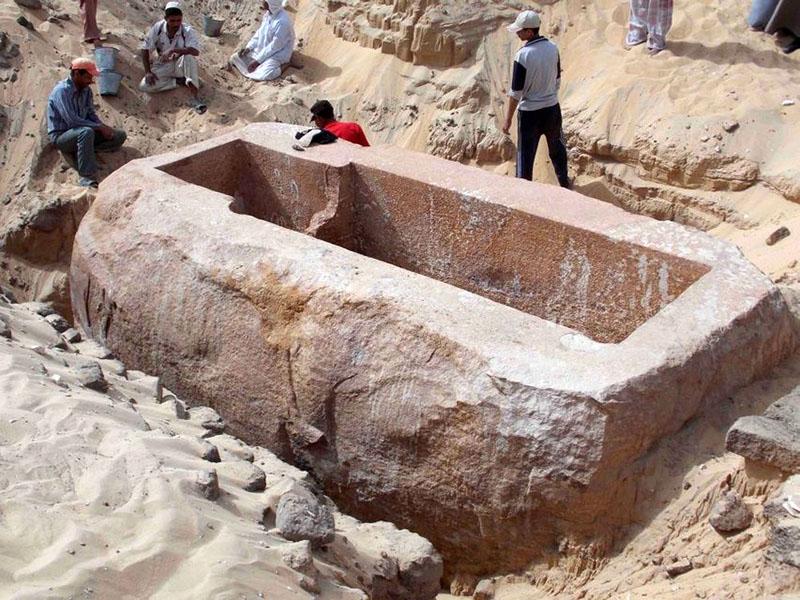 Feltárás alatt lévő egyiptomi sírkamra