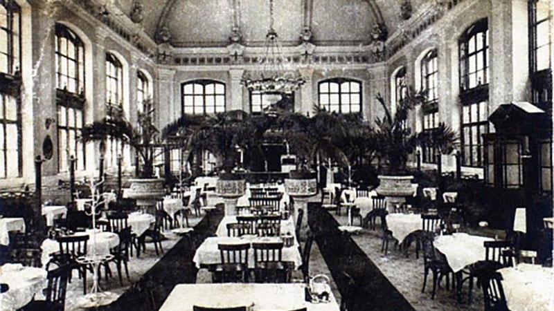 A Démusz vendéglő a Nyugati pályaudvaron 1935-ben