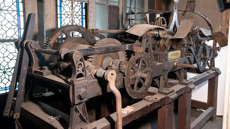 Az Église de la Sainte-Trinité toronyórájának mechanizmusa