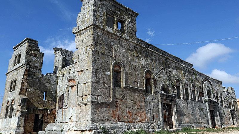 A szír templom ikertornyai