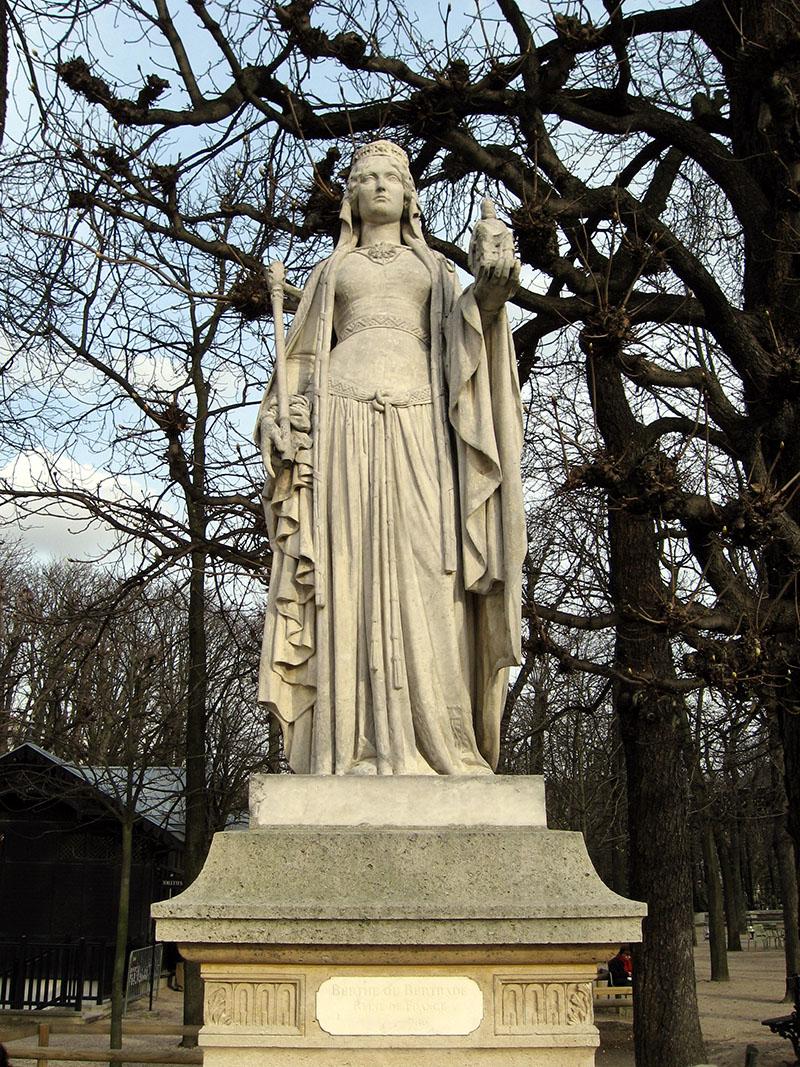 Eugène-André Oudiné szobra a Luxembourg-kertben: Nagylábú Berta