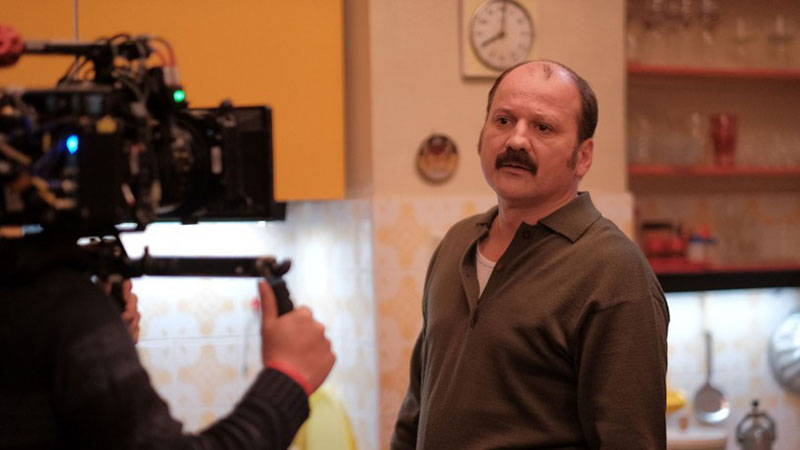 Akárcsak az Aranyélet esetében, ezúttal is Thuróczy Szabolcs a főszereplő