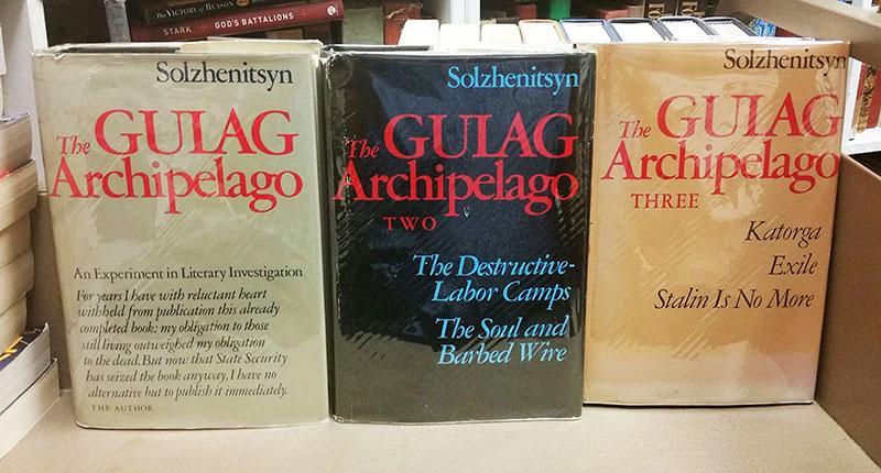 Az első, 1974-es első angol nyelvű kiadás