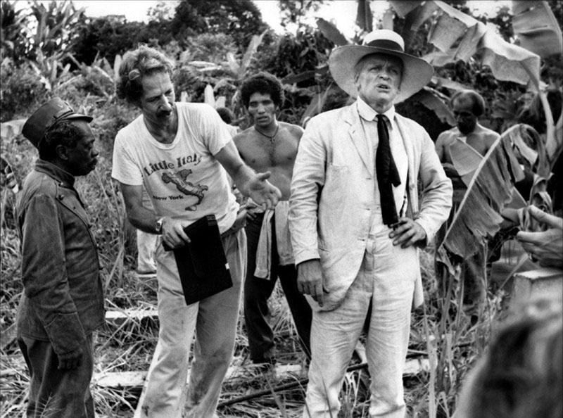 Werner Herzog (balra) a Fitzcarraldo forgatásán