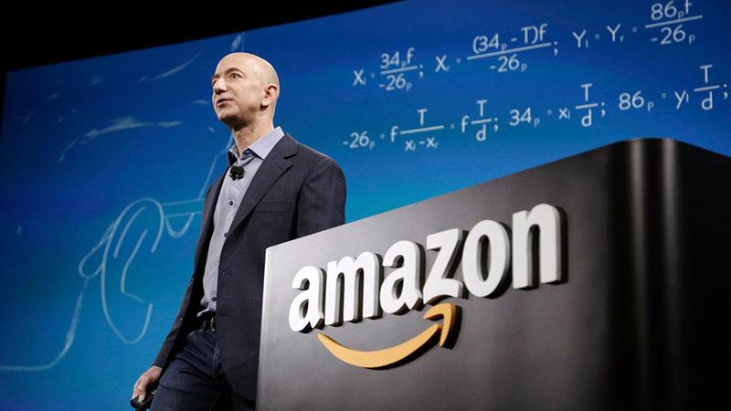 Jeff Bezos és cége megítélése most még ellentmondásosabb