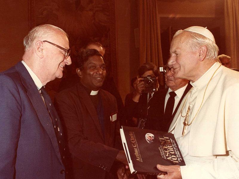 Clarke látogatása II. János Pál pápánál