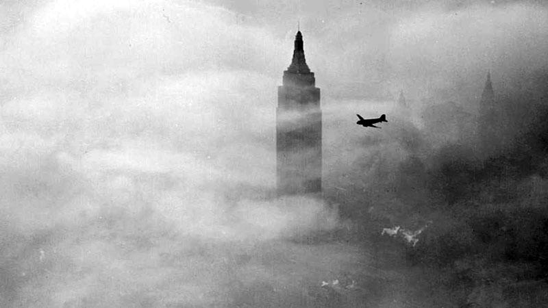 A nap, amikor repülő ütközött az Empire State Buildingbe