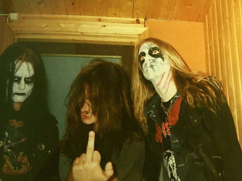 Bal oldalt Euronymous, jobb oldalt Dead