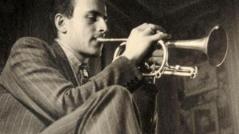 Az írás mellett a zeneszerzés is központi szerepet játszott az életében