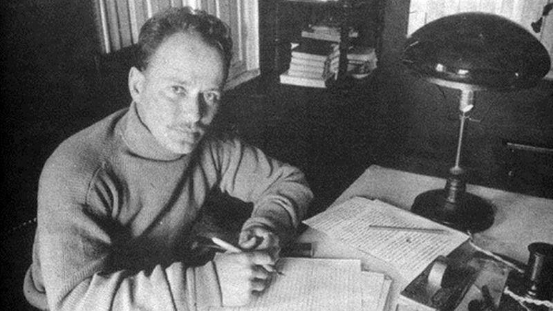 Mihal Alekszandrovics Solohov (1965)