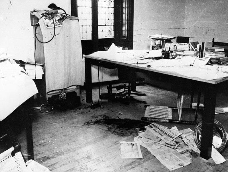 Trockij dolgozószobájának padlóját a bolsevik forradalmár vére borítja