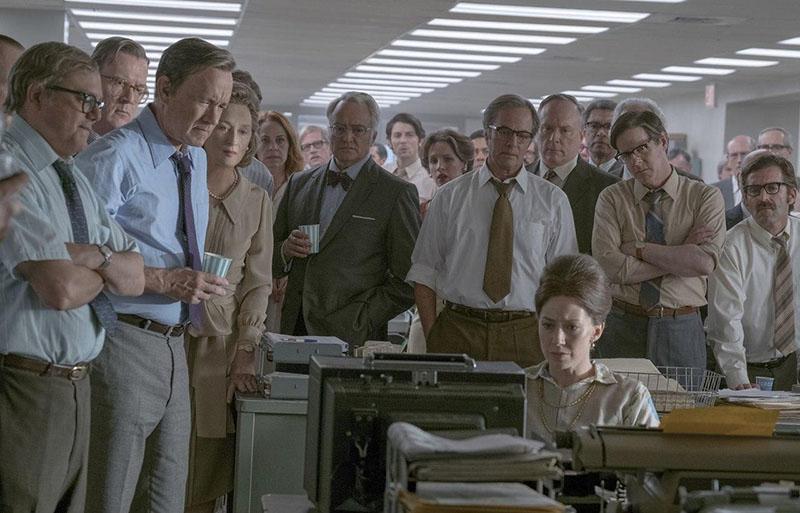 Tom Hanks (balra) a The Post főszerepében