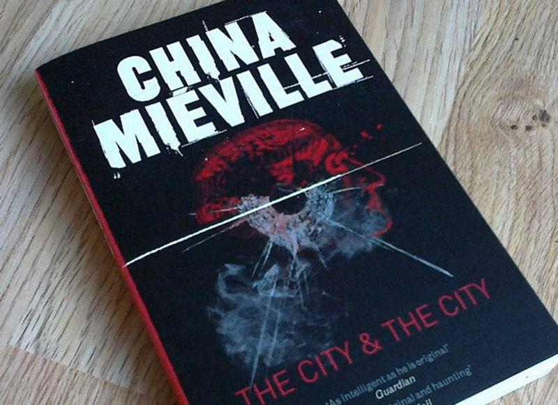 China Miéville: A város és a város között