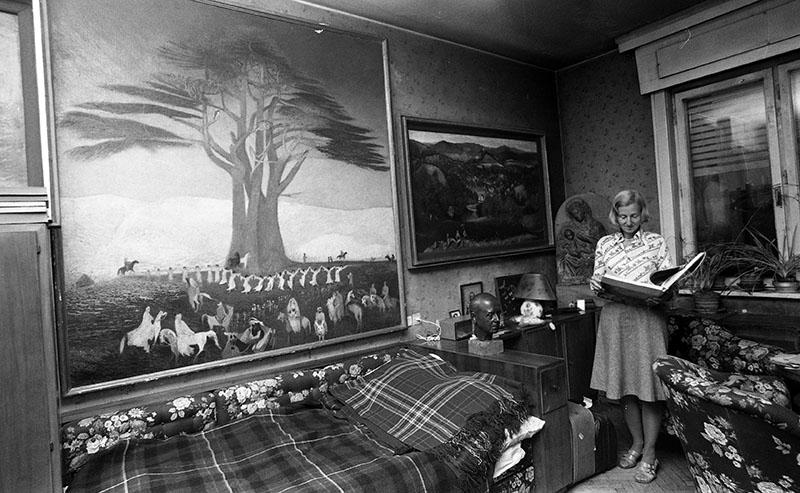 Gerlóczy Gedeon szobája, tele Csontváry-festményekkel