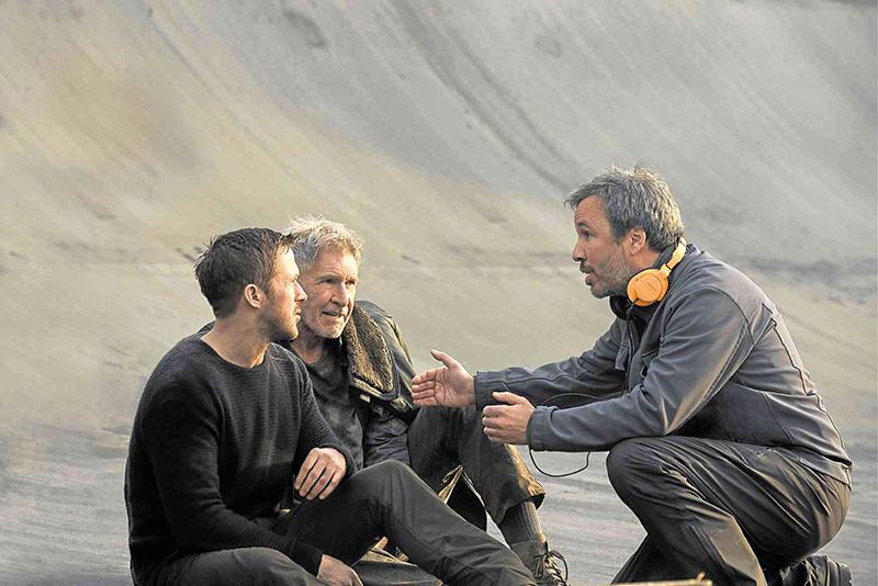 Denis Villeneuve ad instrukciókat Harrison Ford és Ryan Gosling párosának a Szárnyas fejvadász 2049-ben