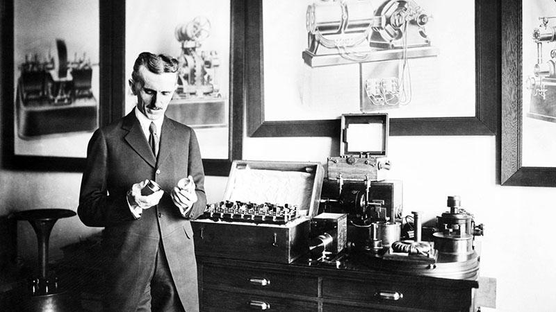 Tesla a laboratóriumában