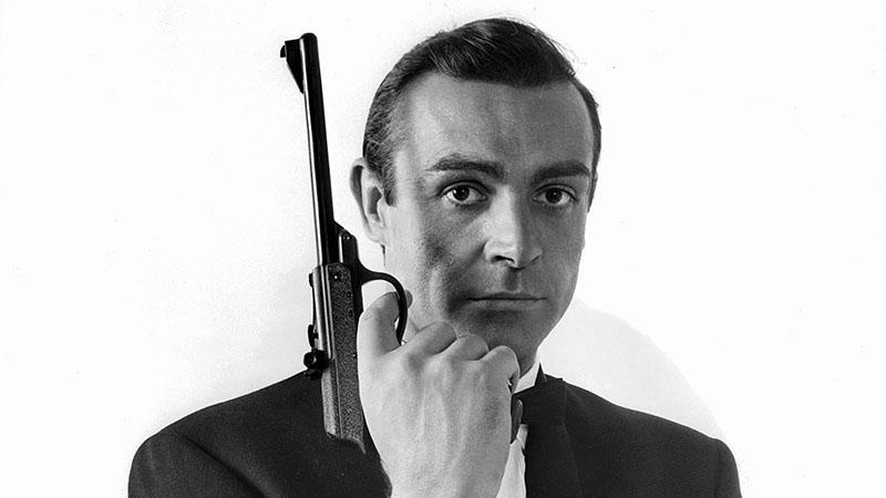 Sean Connery legendás pisztolyáért akár 200 ezer dollárt is kifizethetnek