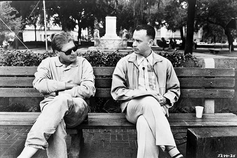 Zemeckis és Hanks az ikonikus padon tart megbeszélést
