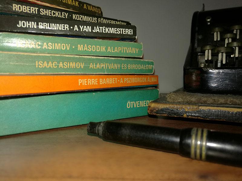 Az eredeti, kis alakos Kozmosz Fantasztikus Könyvek sorozat darabjai