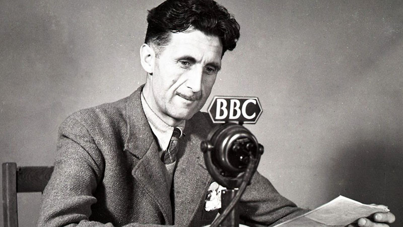George Orwell a BBC stúdiójában