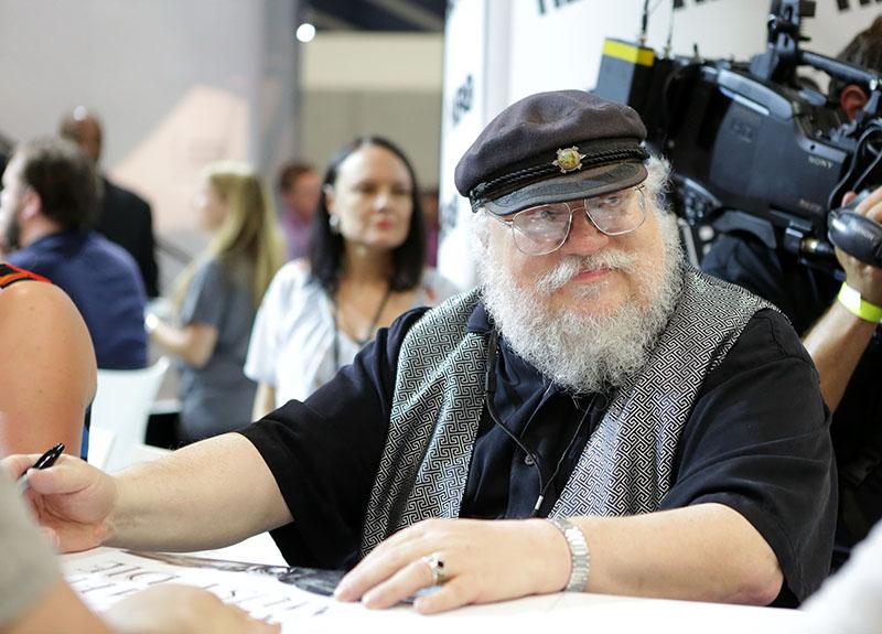 Martin dedikáláson a 2014-es Comic-Con-on San Diegóban