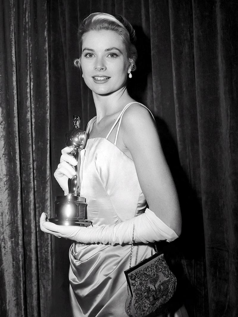 Kelly a Vidéki lány főszerepéért kapott Oscar-díjjal