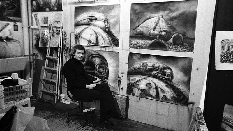Giger műtermében az el nem készült Dűne-film konceptrajzaival