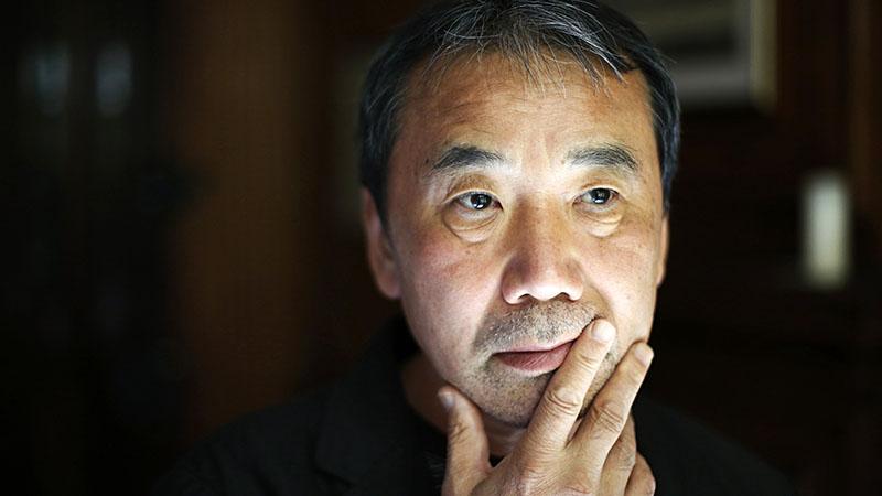 A köztudottan nagy jazz rajongó Murakami most igazán kiélheti magát