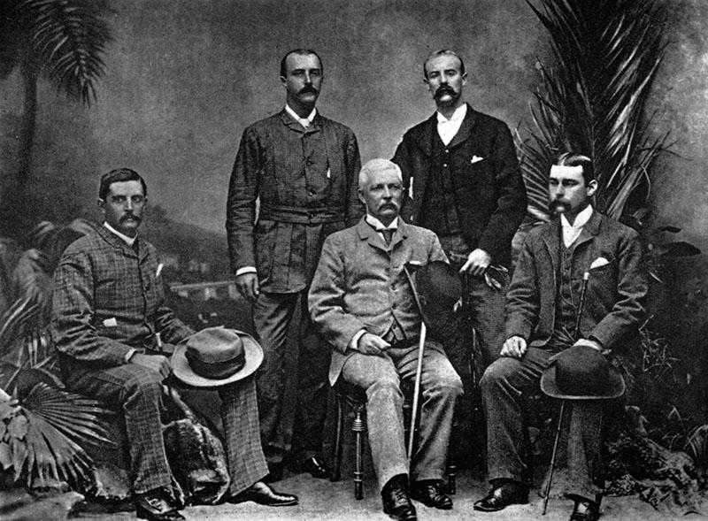 Stanley (középen) az Advance Column képviselőivel Kairóban 1890-ben