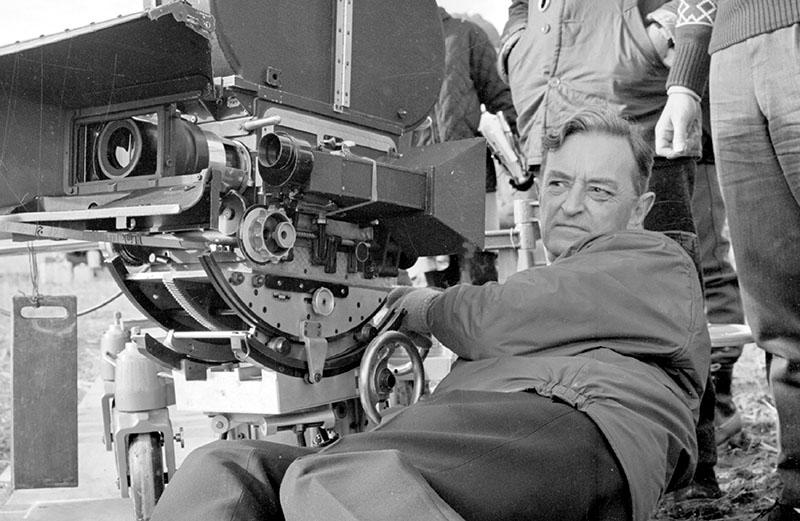 A rendező, David Lean, itt már a Doktor Zsivágó forgatásán