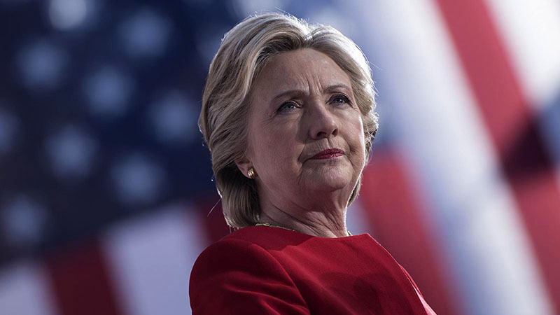 Férje után az egykori First Lady is könyvet ír