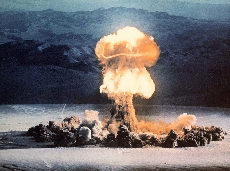 A nevadai kísérleti robbantások egyike