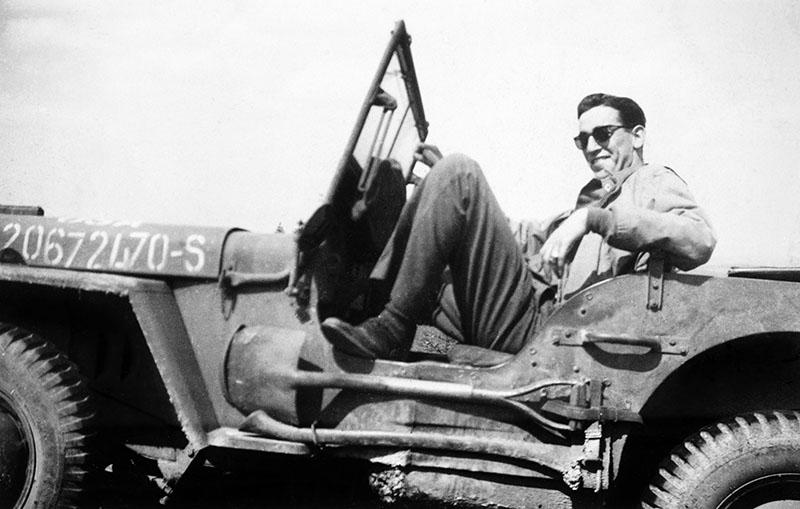 Az író a második világháborúban