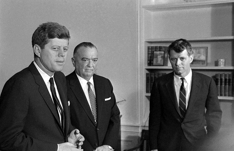 A Kennedy-fivérek közt