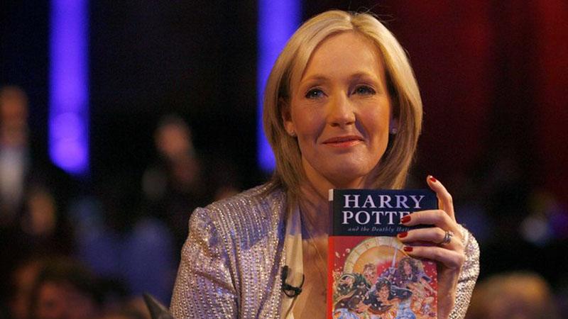 Harry Potter anyja, és a világ leggazdagabb írónője