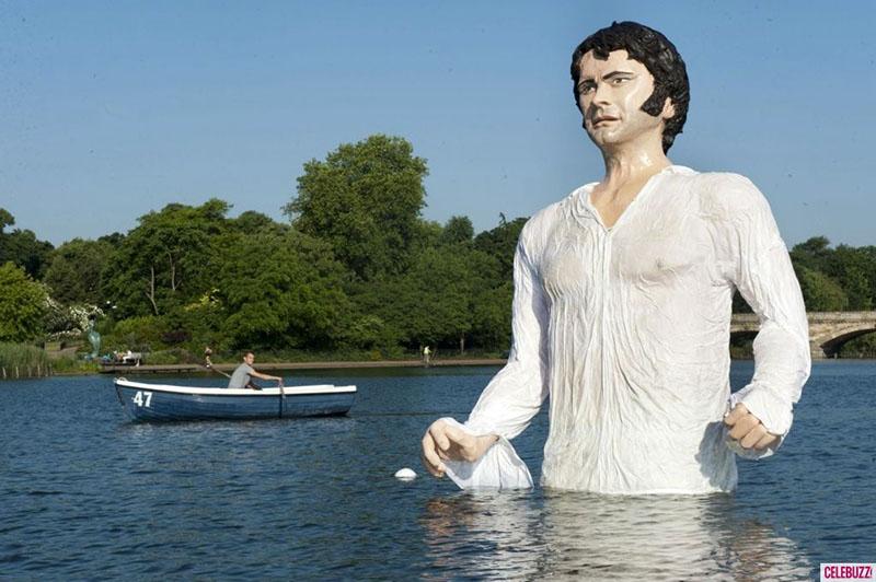 A Mr. Darcy-szobor (Forrás: femina.hu)