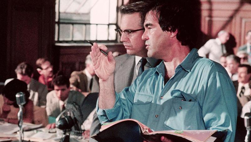 Costner és Stone a finálé forgatásán