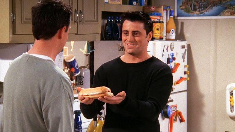 Joey szendvicséből Chandler csak egy falatot kapott