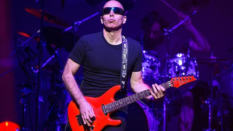 Joe Satriani is Magyarországra jön jövőre