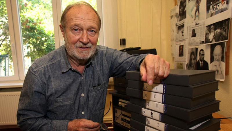 Juhász Árpád alapító tagja volt a TV2-nek, 1999 óta pedig a csatorna tanácsadója