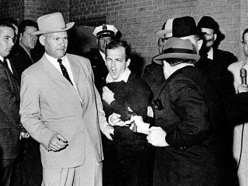 Jack Ruby végez Lee Harvey Oswalddal