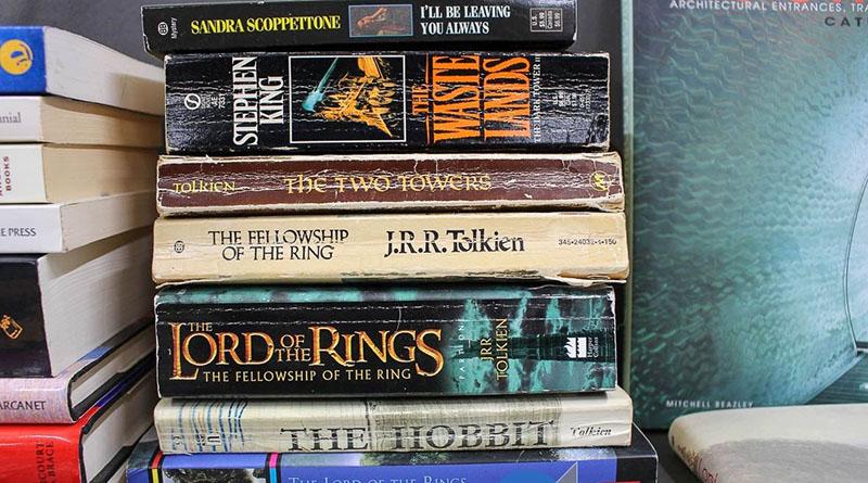Miért ne lehetne kötelező Tolkien, vagy King?