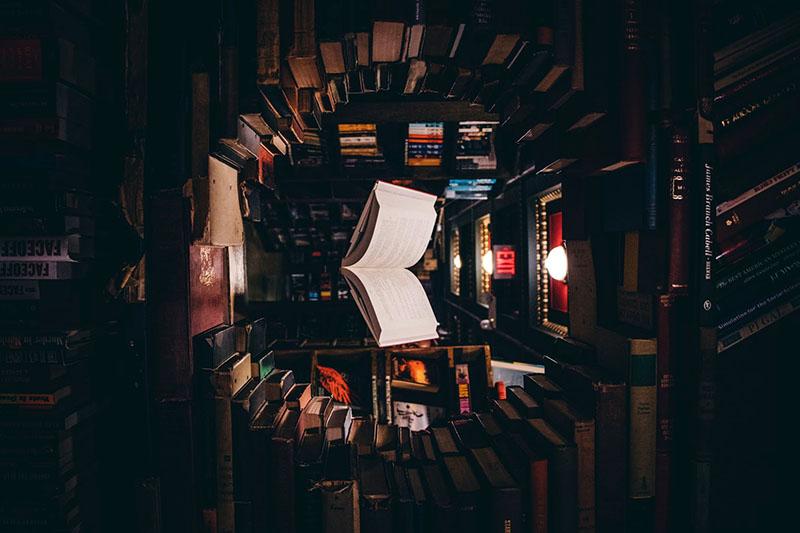 Kultkönyvek és kultstátusz