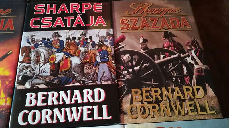 Bernard Cornwell: Sharpe-sorozat /Forrás: jofogas.hu/