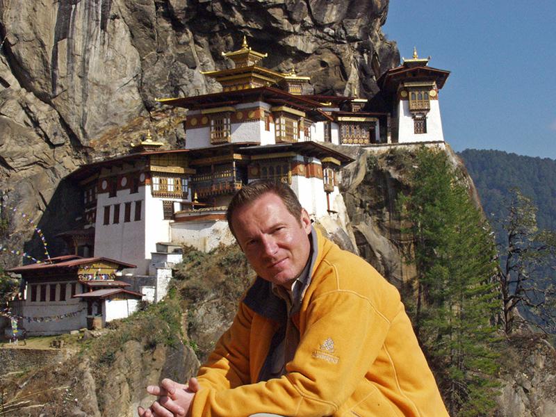 Frei Tamás televíziós visszavonulása óta négy regényt írt