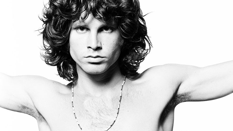 A kötet Jim Morrison halálának 50. évfordulója kapcsán jelenik meg