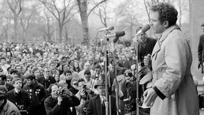 Mailer számtalanszor tartott beszédet nagyközönség előtt