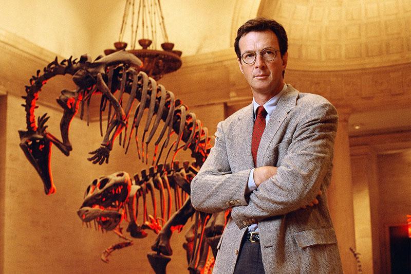 Crichton neve összeforrt a dinoszauruszokkal