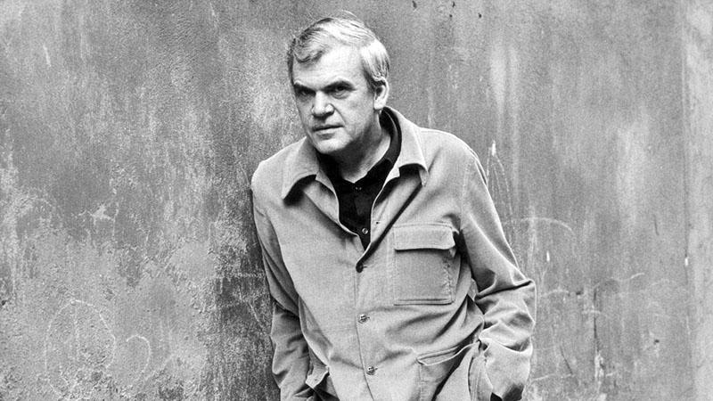 Milan Kundera életrajzát mindössze pár nap alatt elkapkodták a könyvesboltokból